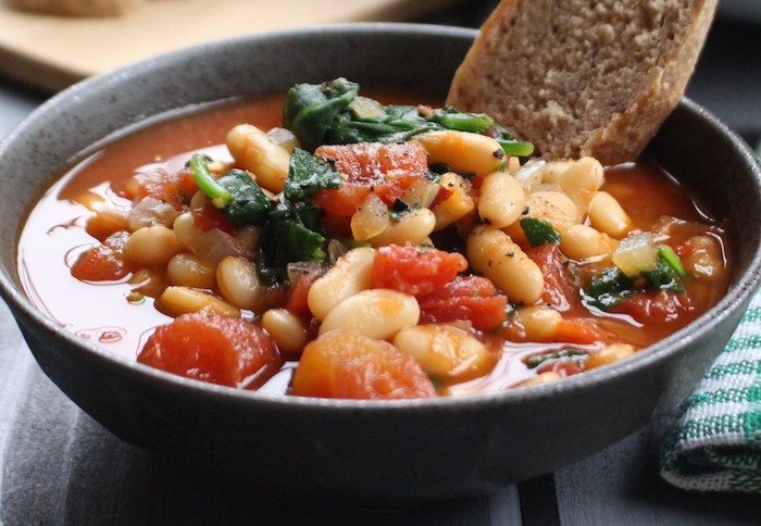 Easy Garlic, Tomato, and White Bean Healthy Soup Recipes