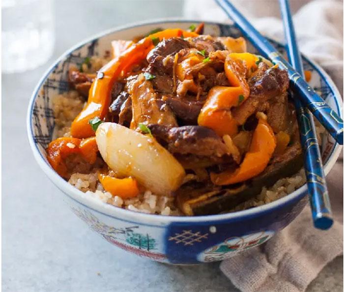 Crock Pot Garlic Chicken Thighs: 30 Paleo Crock Pot Recipes For Homemade Meals Any Night Of