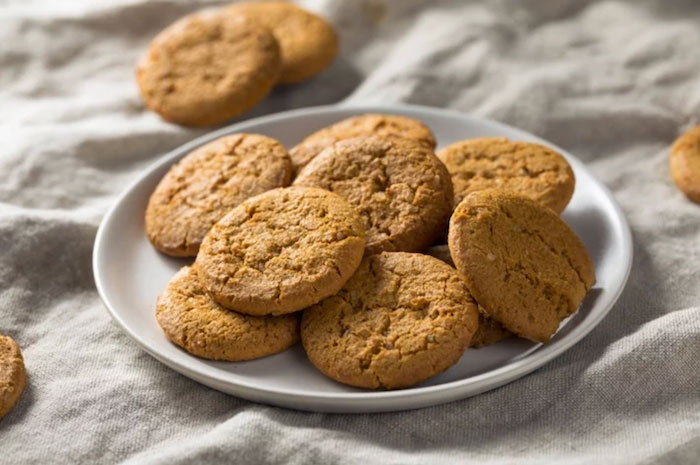 Gingersnaps Keto Christmas Cookies