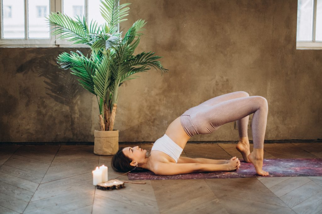 Yoga poses to reduce belly fat - the Bridge pose